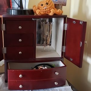 Other - Gorgeous jewelry box